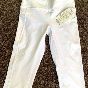 Lululemon size 8 cropped pants with 5 pockets